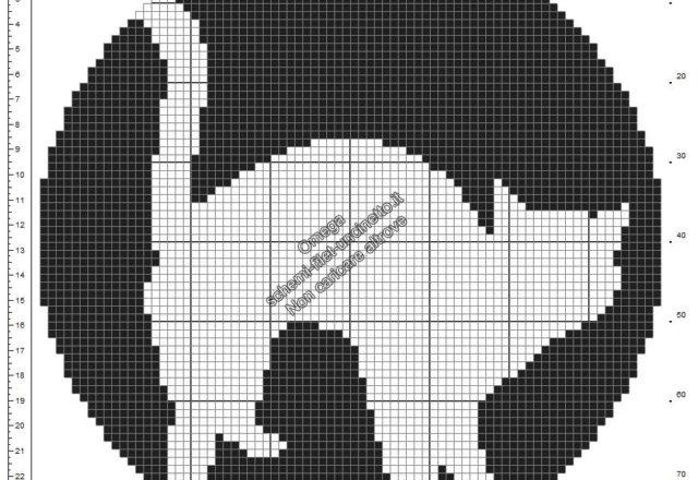Centrino rotondo con gatto nero schema Halloween uncinetto filet gratis diametro 80