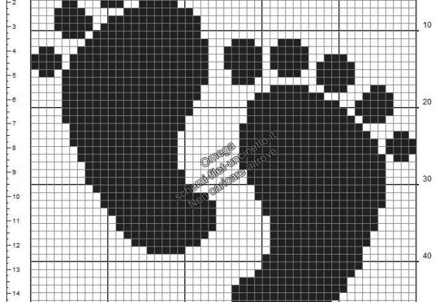 Impronte piedini bambino schema filet uncinetto gratis ideale nascita nero 50x50
